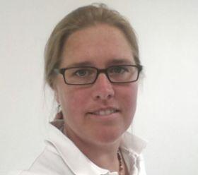 CLAUDIA LESYK: Tierärztin für die Kardiologische Sprechstunde
